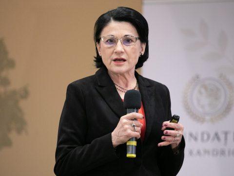 Tanügyminiszter: 2.300 óvoda és bölcsőde van épülőfélben