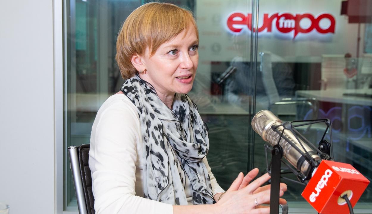 Rendőrtiszt fenyegette meg a plágiumügyekkel foglalkozó újságírónőt