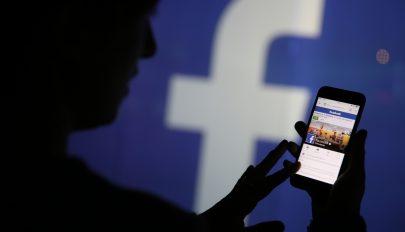 Választásokat befolyásolni próbáló oldalak tucatjait törölte a Facebook