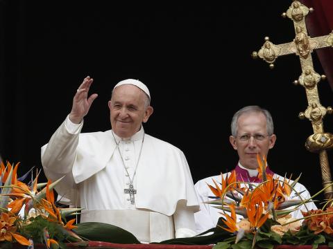 A véres konfliktusok megállítását kérte a pápa Urbi és Orbi beszédében