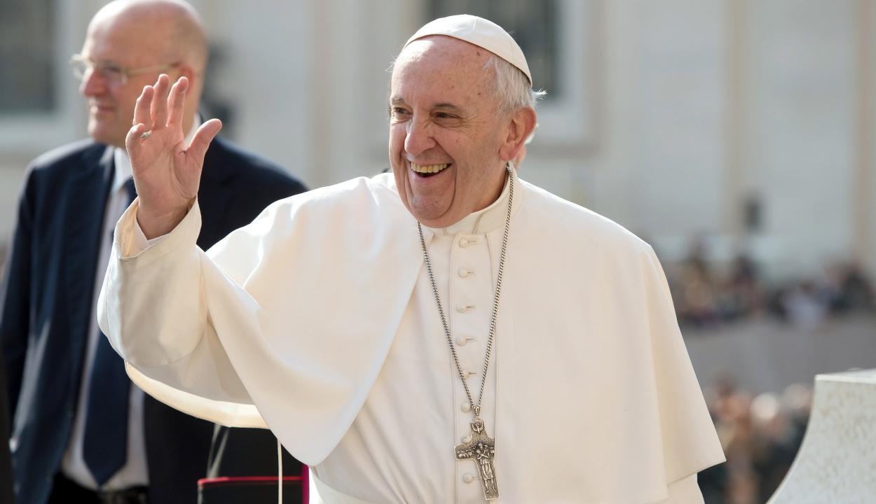 Folynak az előkészületek Ferenc pápa látogatására