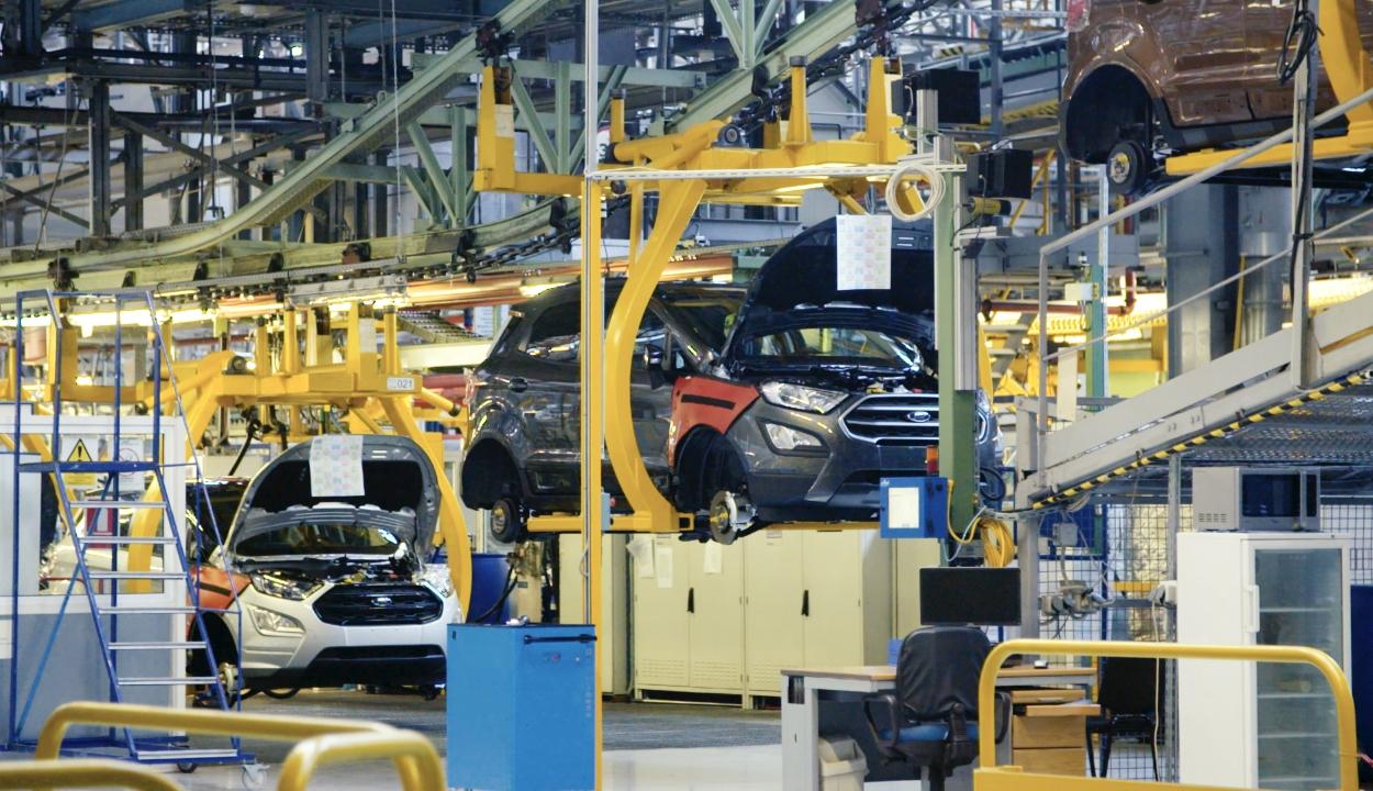 Leállította nyolc napra a motorgyártást a craiovai Ford üzem