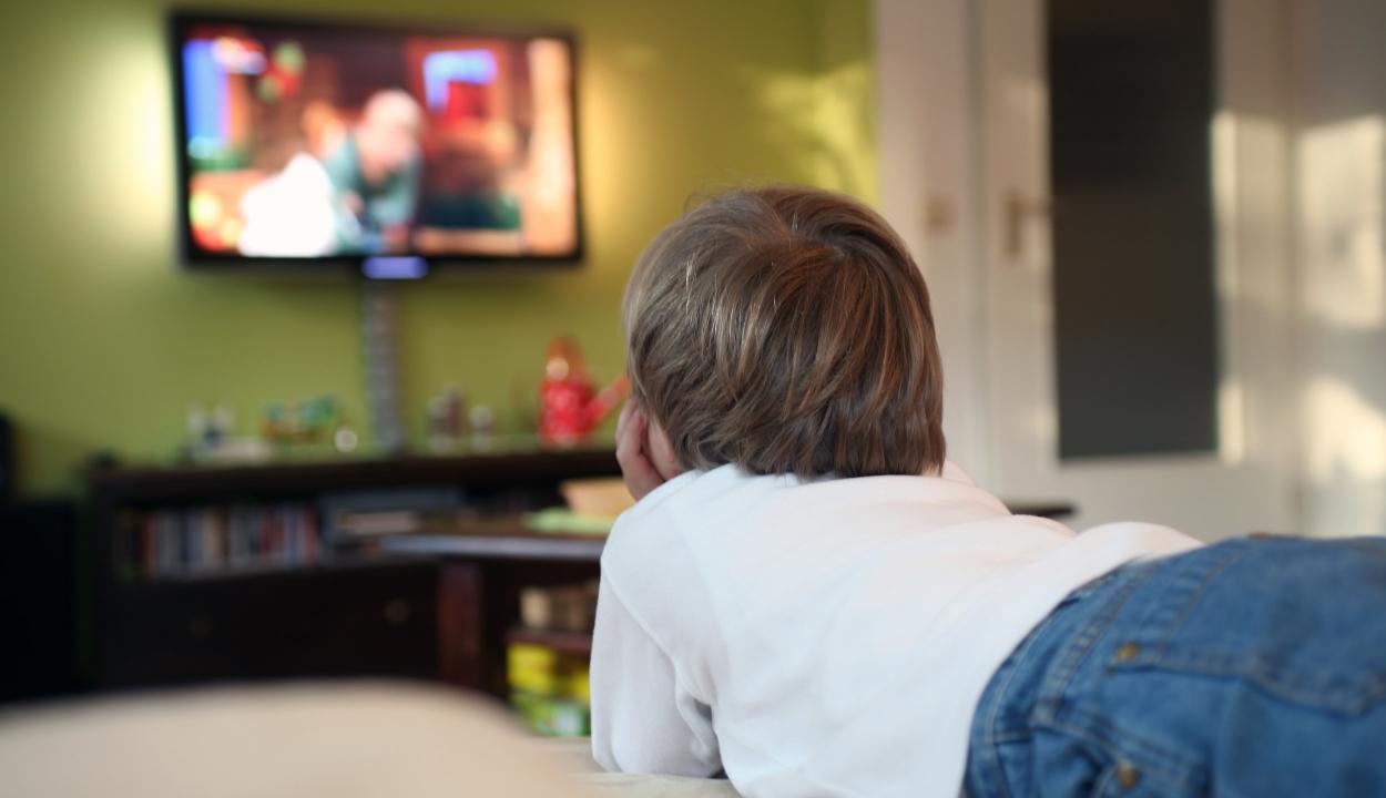 Aggasztóan sok időt töltenek digitális készülékek előtt a kisgyerekek