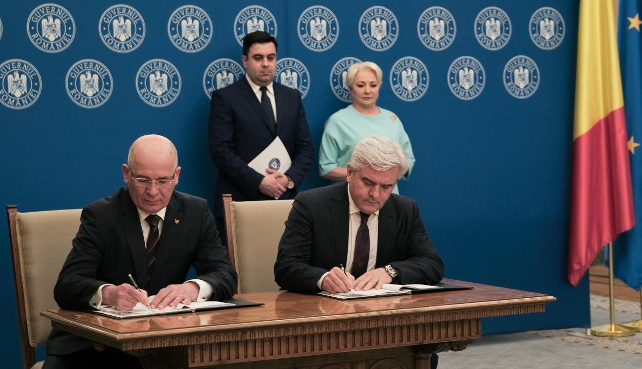 Három fontos infrastrukturális beruházási szerződést írtak alá