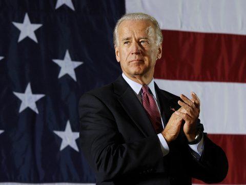 Felmérés: Biden támogatottsága nagyobb, mint Trumpé