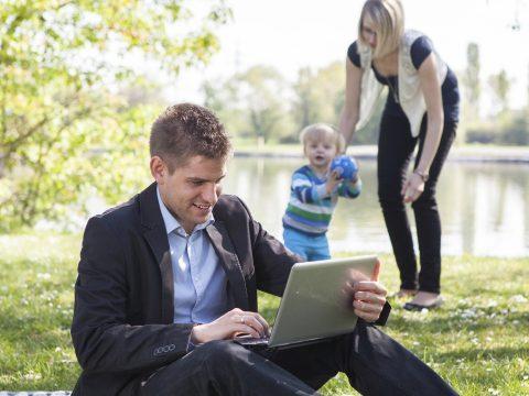 Az EP szabályokat fogadott el a munka és a családi élet összeegyeztethetőségének növelésére