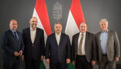 Orbán Viktor az Európai Néppárt magyar tagszervezeteivel egyeztetett