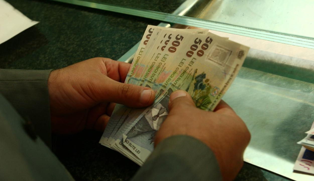 FRISSÍTVE: A pártok többsége támogatja a különnyugdíjak eltörléséről szóló tervezetet
