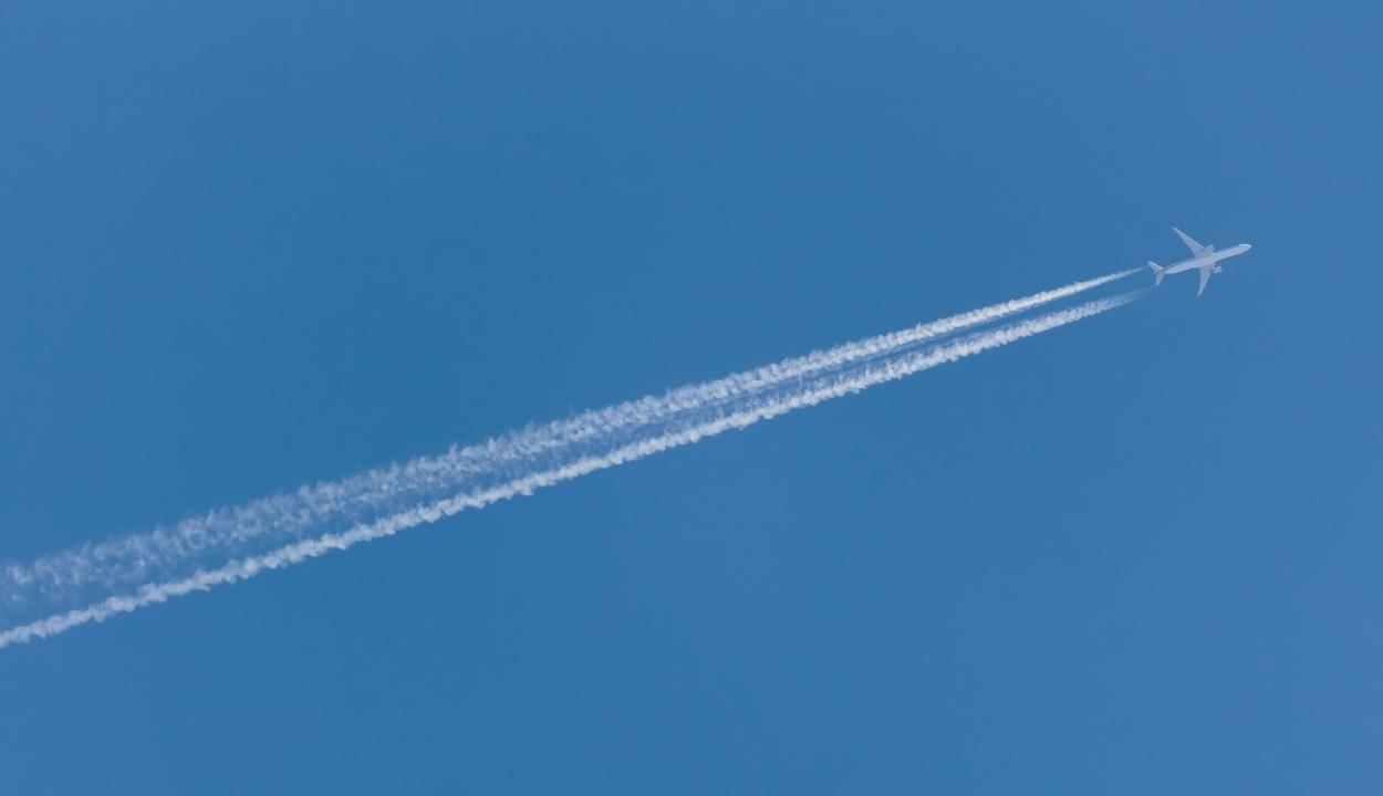 Mezőgazdasági hulladékból készítenek repülőgép-üzemanyagot kínai kutatók