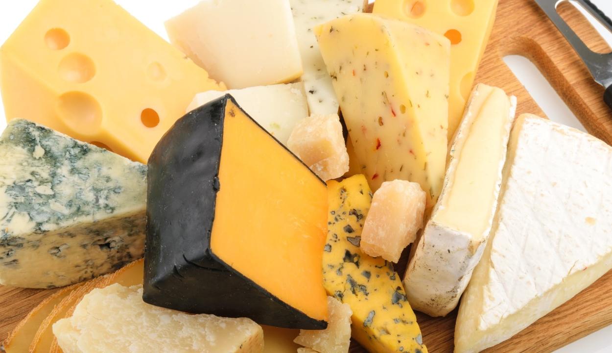 Boldogabbak a sajtot fogyasztó emberek