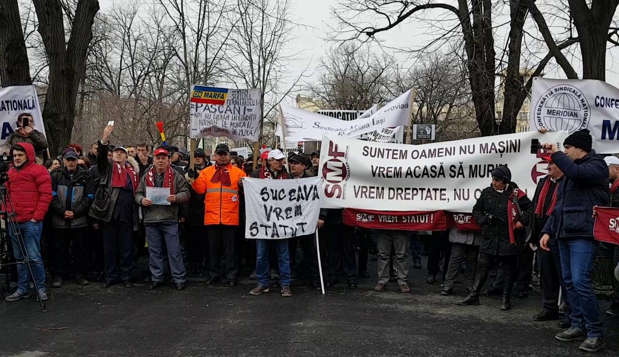 Mintegy ezer vasutas tüntetett Bukarestben