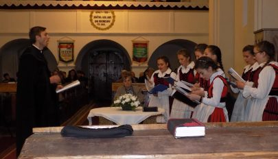 Püspöki vizitáció Szárazajtán