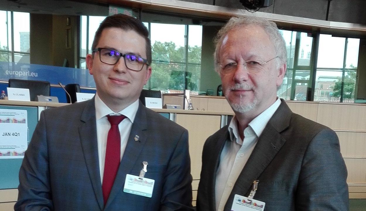 Jogvédők Brüsszelben