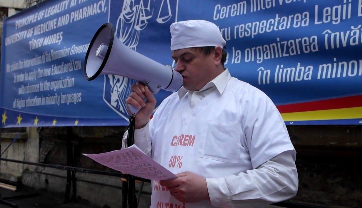 MOGYE-ügy: kártérítést követel a rektor egy magyar oktatásért harcoló aktivistától