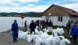 Több száz hektár termőföldet és legelőt, valamint gazdaságokat öntött el a megáradt Maros