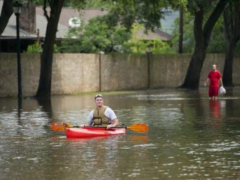 Szélsőséges időjárás tombol a világ több pontján
