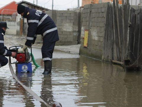 Tizenöt megyében okozott károkat a kedvezőtlen időjárás