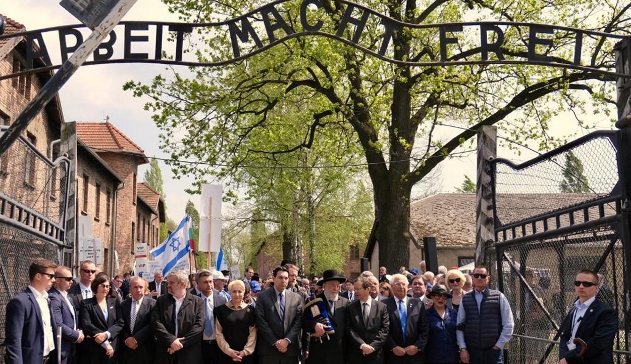 Auschwitzban megemlékeztek a magyarországi zsidók deportálásának 75. évfordulójáról