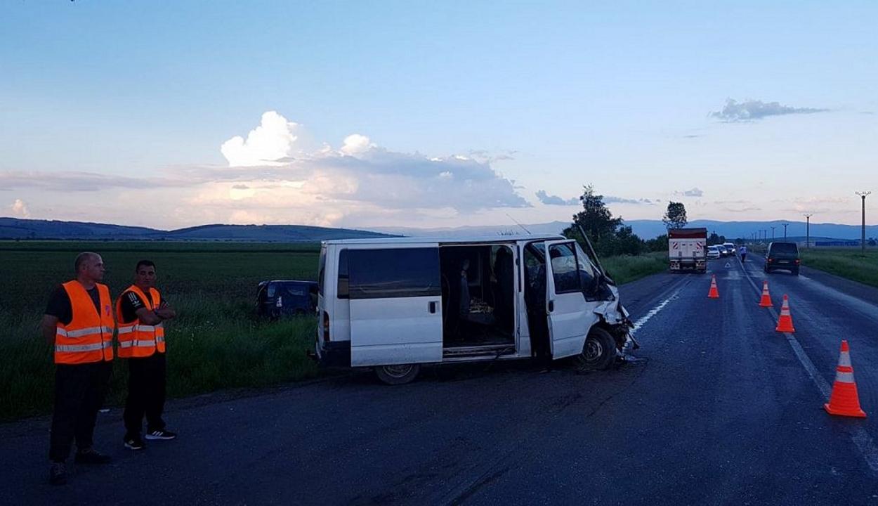 Hét személy sérült meg egy balesetben Szépmezőnél