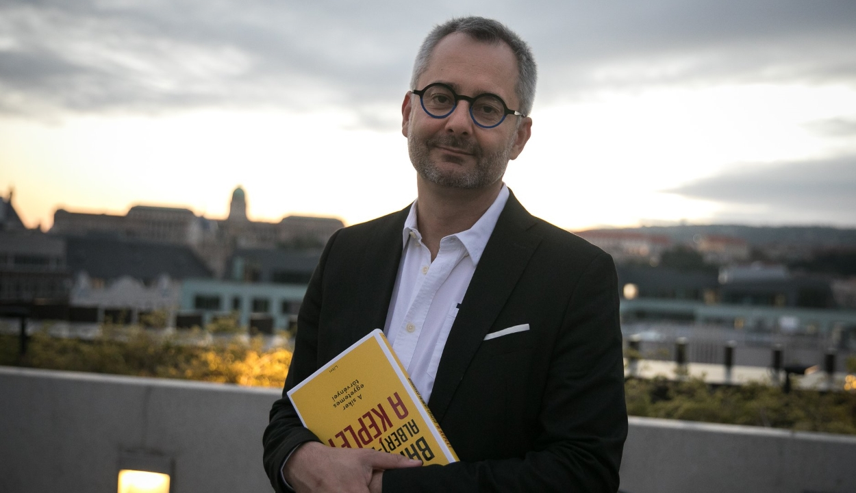 Barabási Albert-László, csíkszeredai születésű hálózatkutató kapta az idei Bolyai-díjat