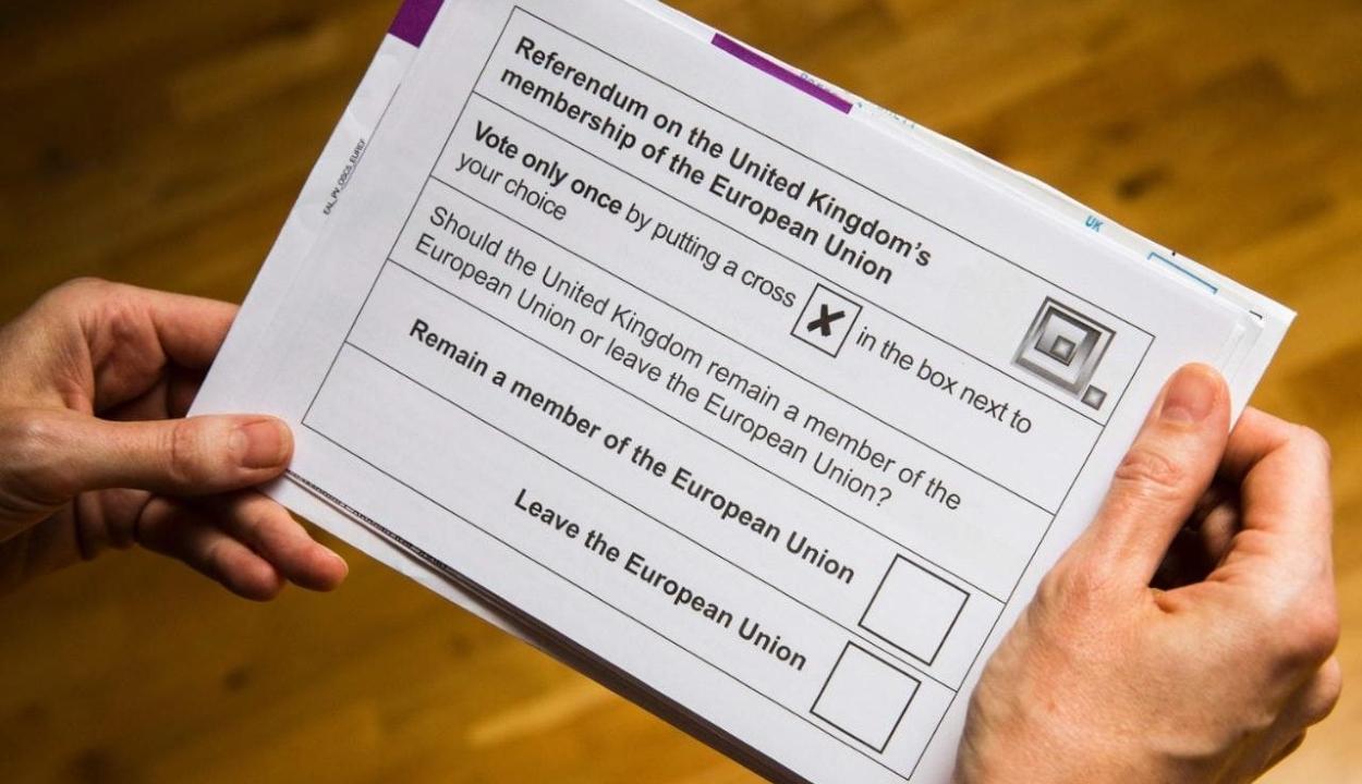 Theresa May: a parlament dönthet arról, hogy legyen-e újabb népszavazás