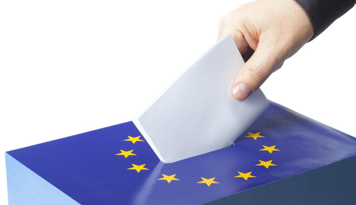 Hollandiában és Nagy-Britanniában már elkezdődött az EP-választás