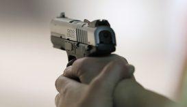 Rálőttek egy férfire a Gorj megyei rendőrök, miután az vasvillával támadt rájuk