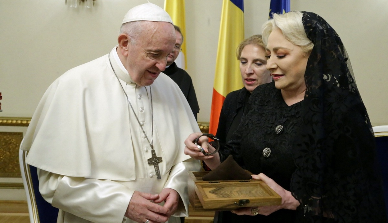 A kormányfő a szolidaritás fontosságáról beszélt a pápai privát audiencián