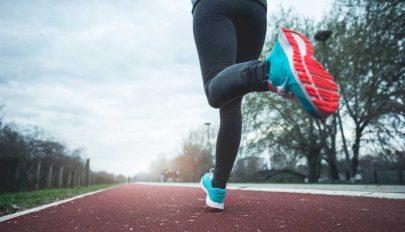 Edzi az agyat és boldoggá tesz a mozgás