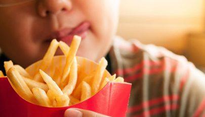 Gyakran alábecsülik gyerekeik túlsúlyát a szülők