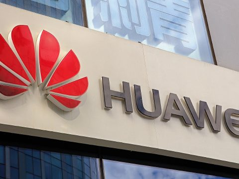 Az Egyesült Államok visszavonta a Huawei elleni szankciókat