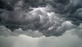 Záporok, viharok, jégeső várható országszerte a nap folyamán