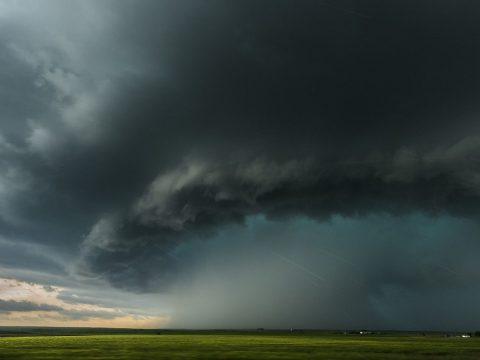 Nagy mennyiségű csapadékra, viharos, szeles időre figyelmeztetnek a meteorológusok