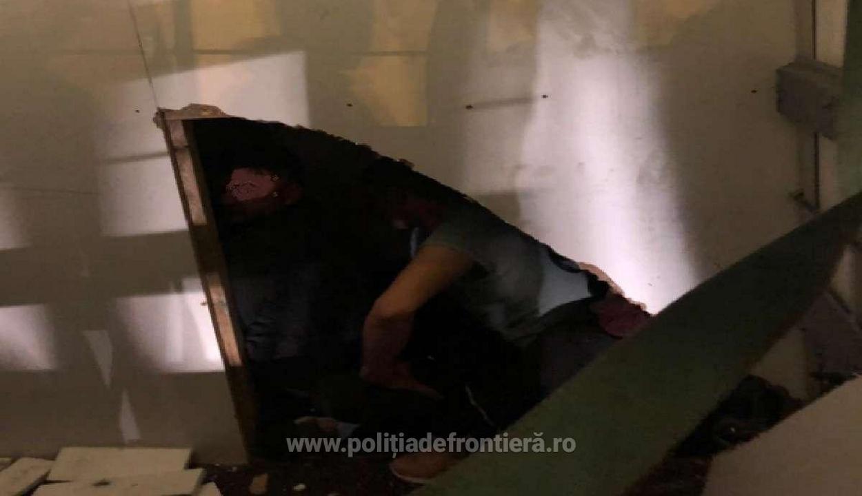 Iraki és szíriai bevándorlókat találtak egy furgonban a román-magyar határon