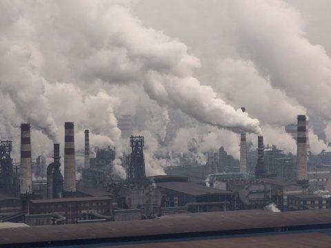 Hivatalosan is a légszennyezésbe halt bele egy 9 éves londoni kislány