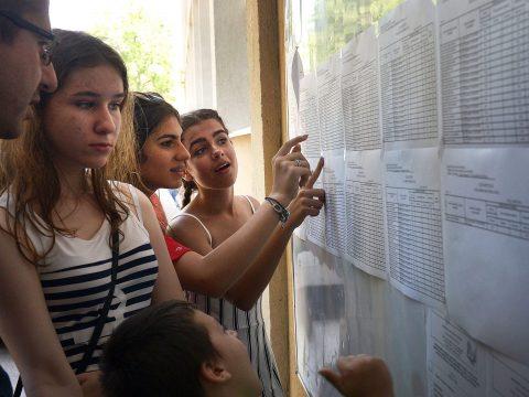 Oktatási tárca: az eredeti ütemterv szerint zajlik a középiskolai felvételi