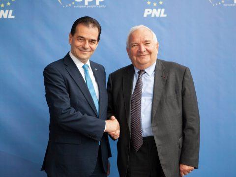 Daul: botrányosnak tartom, ami Romániában történik