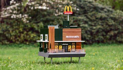 Méheknek nyitott miniatűr éttermet a McDonald's