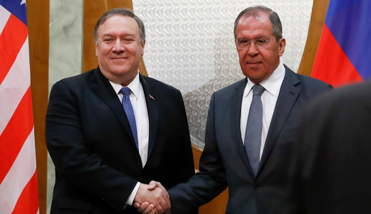 A kétoldalú kapcsolatokat javító lépésekről állapodott meg az orosz és az amerikai külügyminiszter