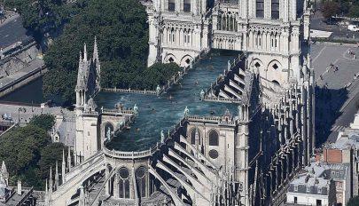 Akár medence is kerülhet a Notre-Dame tetejére