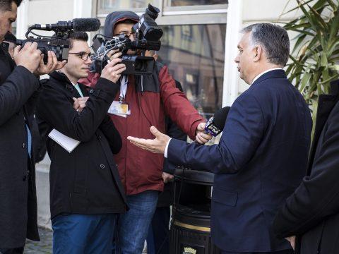 Választási részvételre buzdít és az RMDSZ támogatását is kéri Orbán Viktor Nagyszebenben