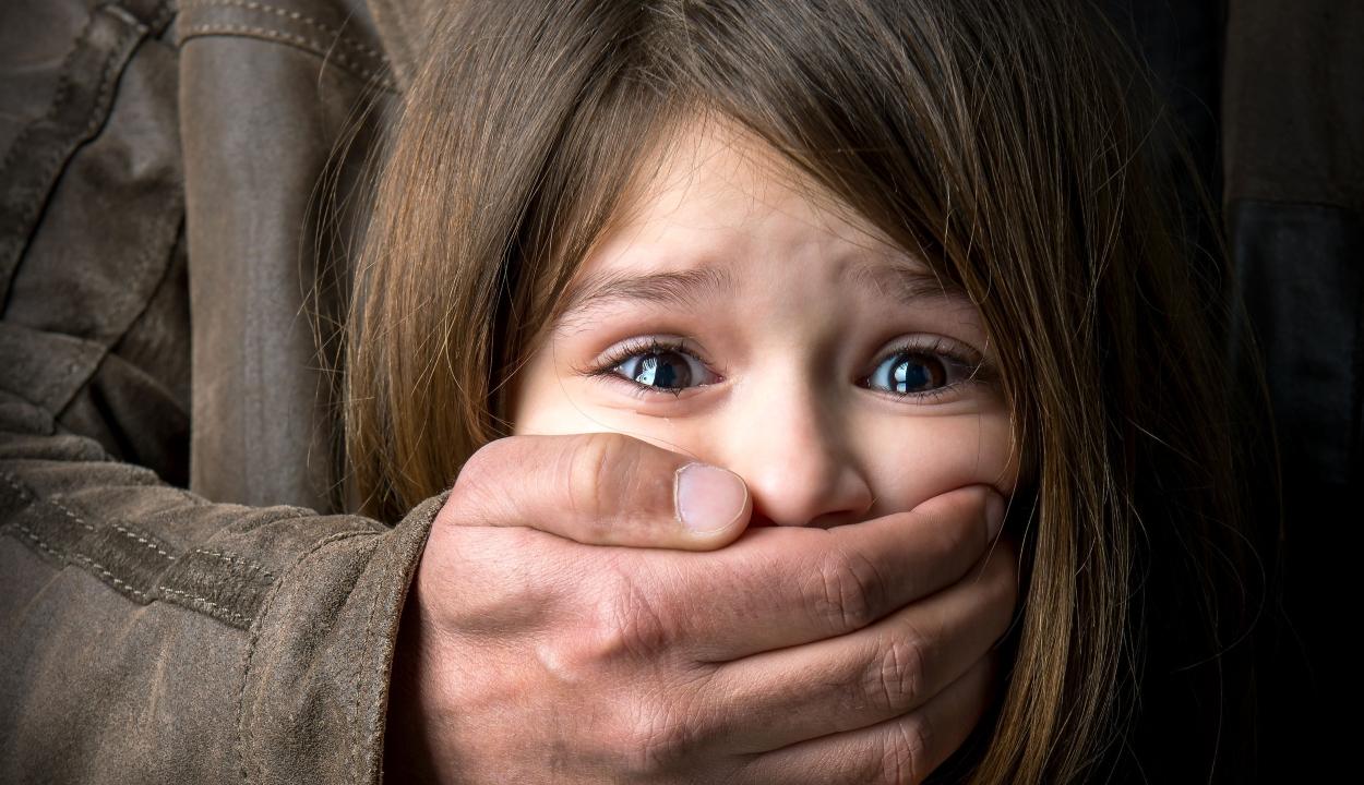 Listázzák a pedofilokat