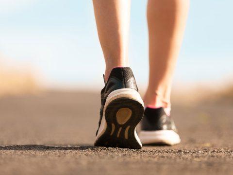 Tovább élhetünk, ha gyorsabban sétálunk?