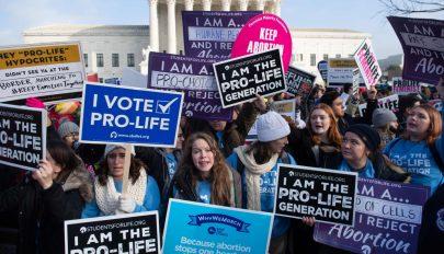 Abortuszellenes meneten vesz részt Donald Trump