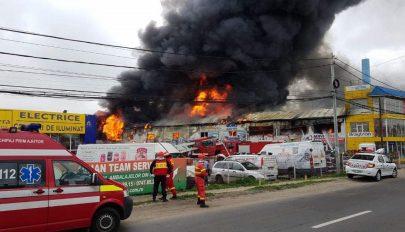 Lángokban áll egy Bukarest melletti kereskedelmi központ