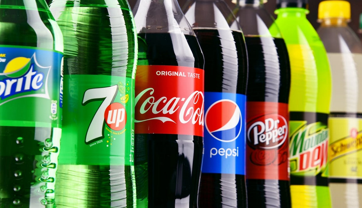 Jobban hizlalnak a cukros üdítők, mint a cukros ételek