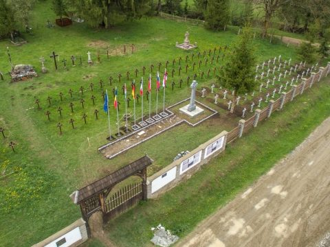 Élőlánccal próbálják megakadályozni az úzvölgyi román parcella felavatását
