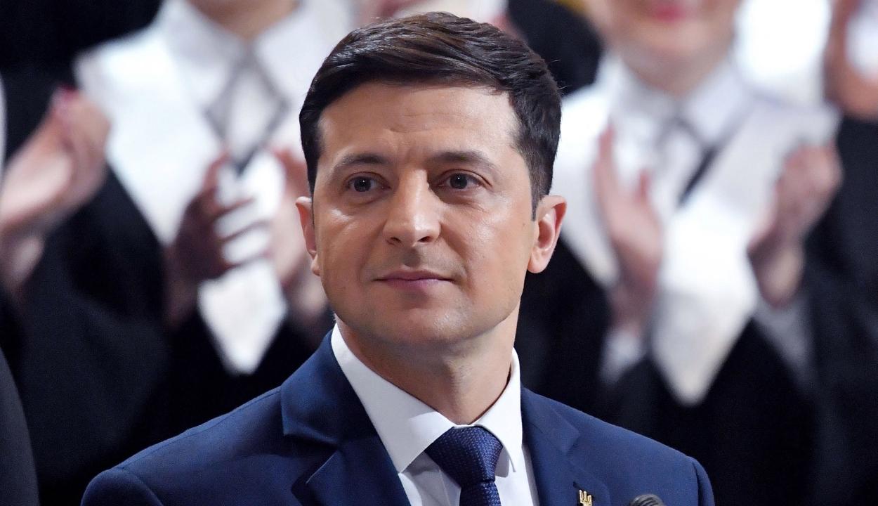 Letette az elnöki esküt az új ukrán elnök, és bejelentette a parlament feloszlatását