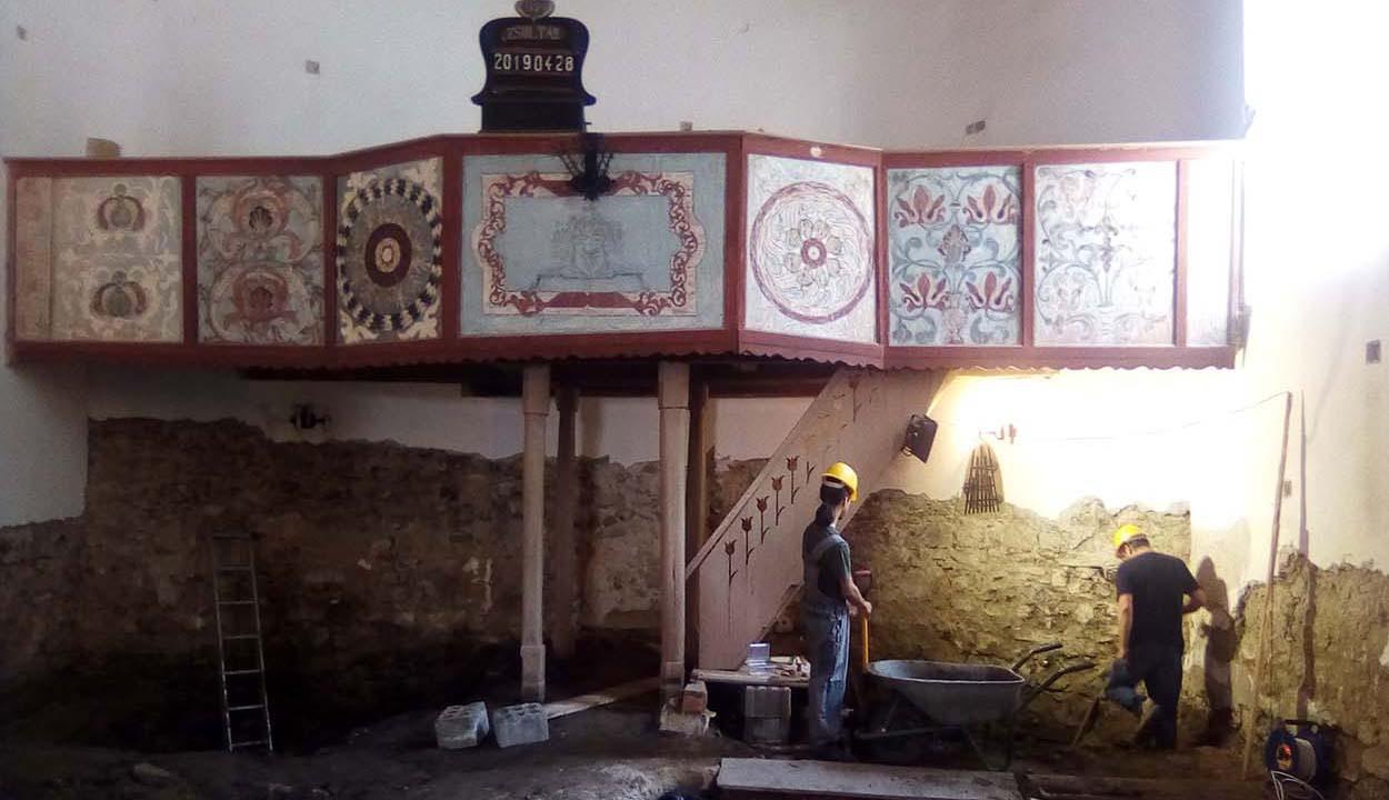 Templomot találtak a templom alatt