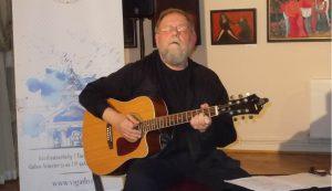 Virányi Attila a Vigadóban adott minikoncertet